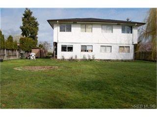 Photo 2:  in VICTORIA: SW Rudd Park Half Duplex for sale (Saanich West)  : MLS®# 424113