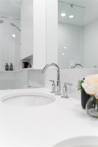 """Photo 8: 66 W KING EDWARD Avenue in Vancouver: Cambie Townhouse for sale in """"JUST WEST"""" (Vancouver West)  : MLS®# R2519383"""