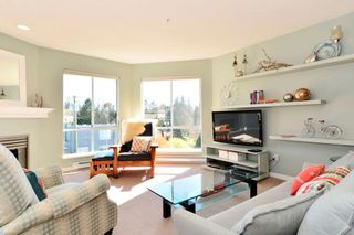 Photo 2: 401 15941 Marine Drive: White Rock Condo for sale (South Surrey White Rock)  : MLS®# R2048515