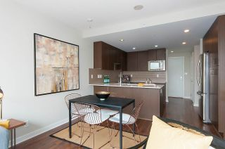 "Photo 3: 1905 125 COLUMBIA Street in New Westminster: Downtown NW Condo for sale in ""NORTHBANK"" : MLS®# R2255130"