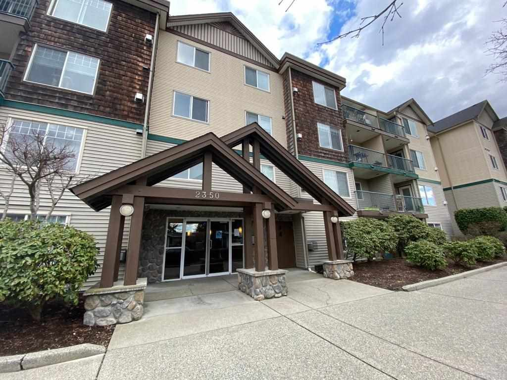 """Main Photo: 103 2350 WESTERLY Street in Abbotsford: Abbotsford West Condo for sale in """"STONECRAFT ESTATES"""" : MLS®# R2553689"""