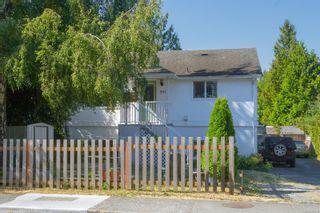 Photo 1: 941 Convent Pl in : Vi Fairfield West Half Duplex for sale (Victoria)  : MLS®# 882808