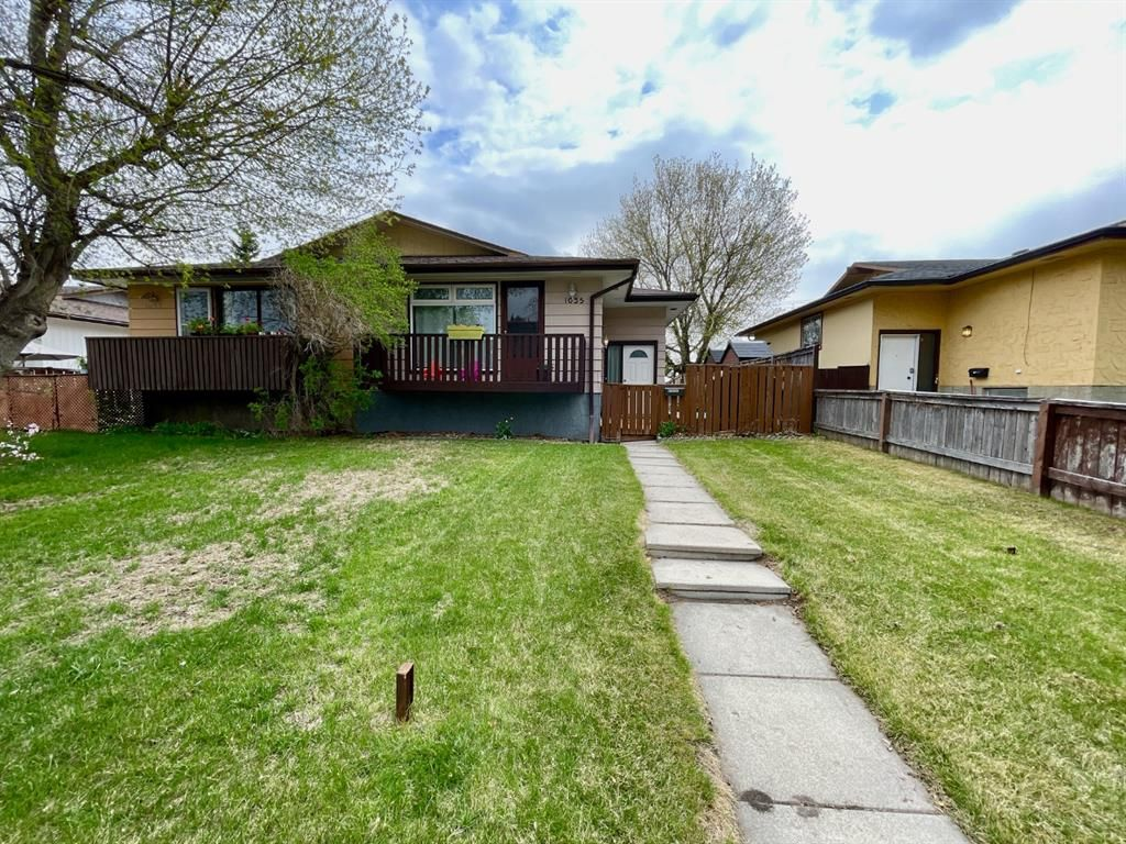 Main Photo: 1035 Canfield Crescent SW in Calgary: Canyon Meadows Semi Detached for sale : MLS®# A1087573