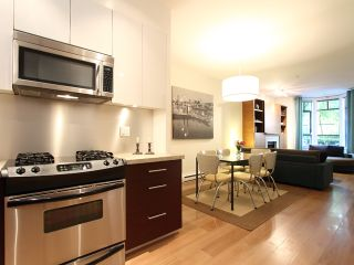 """Photo 3: 854 W 6TH Avenue in Vancouver: Fairview VW Townhouse for sale in """"BOXWOOD GREEN"""" (Vancouver West)  : MLS®# V904480"""