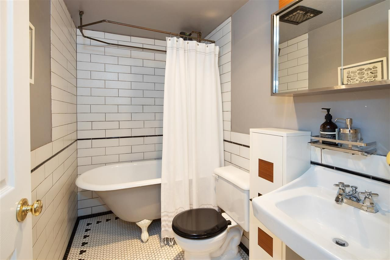 """Photo 15: Photos: 102 788 E 8TH Avenue in Vancouver: Mount Pleasant VE Condo for sale in """"Chelsea Court"""" (Vancouver East)  : MLS®# R2515993"""
