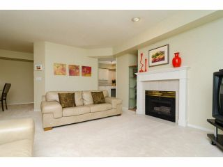 """Photo 4: 49 103 PARKSIDE Drive in Port Moody: Heritage Mountain Townhouse for sale in """"TREETOPS"""" : MLS®# V1065898"""