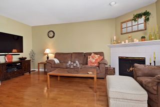 """Photo 9: 6139 W BOUNDARY Drive in Surrey: Panorama Ridge Townhouse for sale in """"LAKEWOOD GARDENS"""" : MLS®# F1448168"""