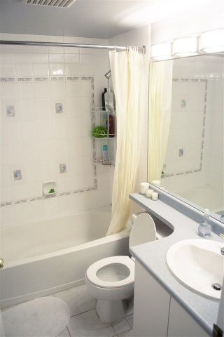 """Photo 9: 1108 3455 ASCOT Place in Vancouver: Collingwood VE Condo for sale in """"QUEEN'S COURT"""" (Vancouver East)  : MLS®# R2242804"""