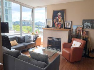 """Photo 4: 603 1099 MARINASIDE Crescent in Vancouver: Yaletown Condo for sale in """"Marinaside Resort"""" (Vancouver West)  : MLS®# R2580994"""