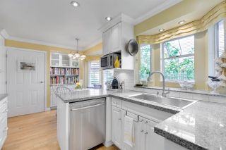 """Photo 10: 9264 GOLDHURST Terrace in Burnaby: Forest Hills BN Townhouse for sale in """"Copper Hill"""" (Burnaby North)  : MLS®# R2287612"""