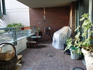 Photo 9: 205 1088 QUEBEC Street in Vancouver East: Home for sale : MLS®# V1005785