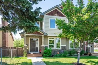 Photo 1: 2403 30 Street SW in Calgary: Killarney/Glengarry Semi Detached for sale : MLS®# C4261966