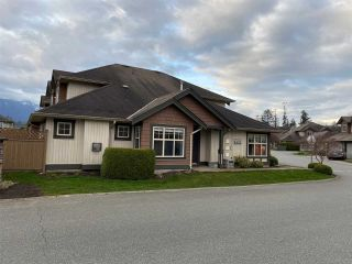 "Photo 1: 20 6887 SHEFFIELD Way in Chilliwack: Sardis East Vedder Rd Townhouse for sale in ""SARDIS PARK"" (Sardis)  : MLS®# R2558411"