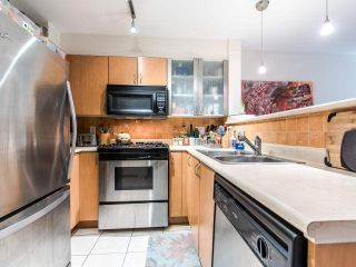 "Photo 4: 205 2741 E HASTINGS Street in Vancouver: Hastings Sunrise Condo for sale in ""The Riviera"" (Vancouver East)  : MLS®# R2407419"