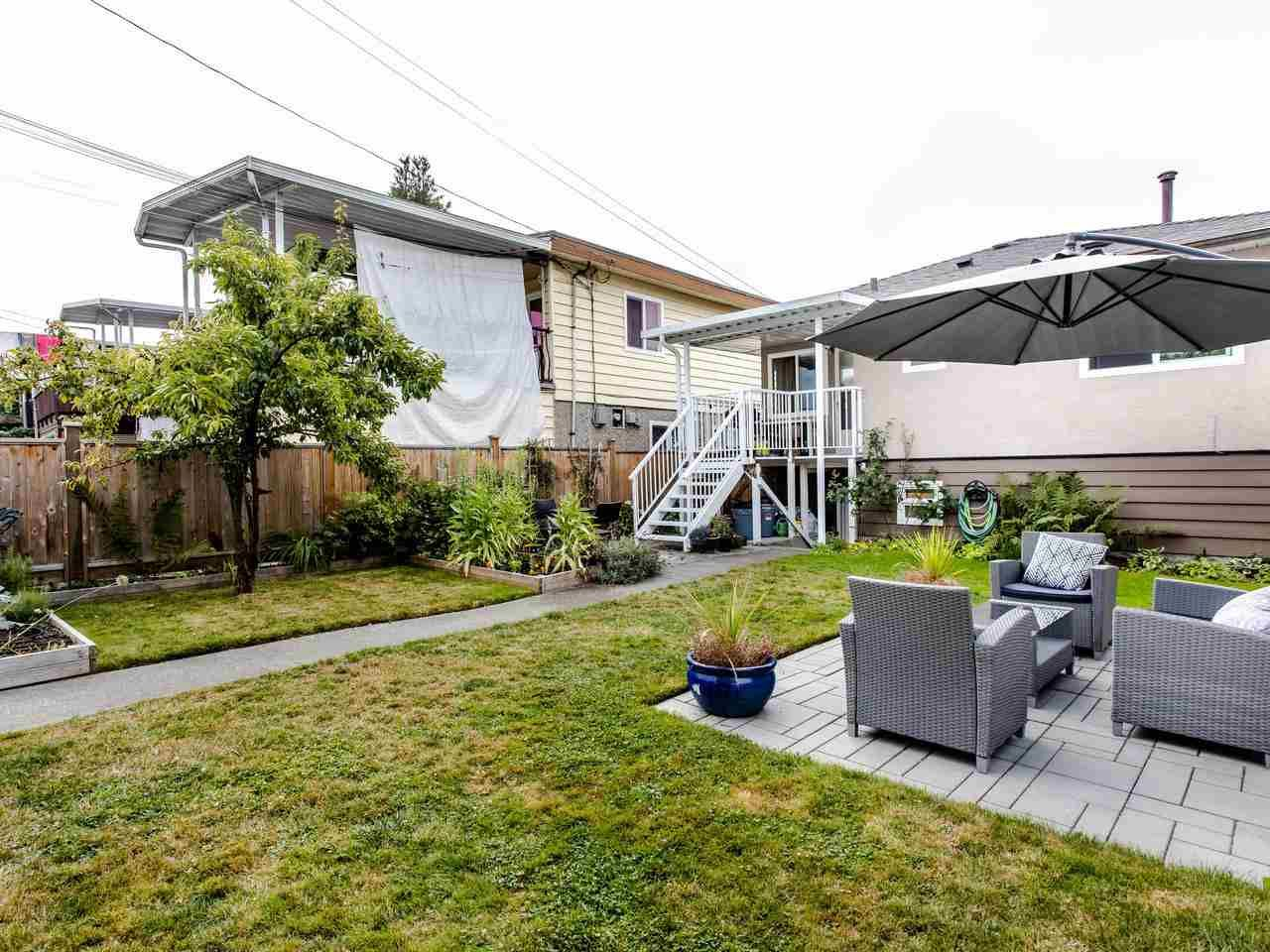 Photo 17: Photos: 4653 UNION STREET in Burnaby: Capitol Hill BN House for sale (Burnaby North)  : MLS®# R2493161