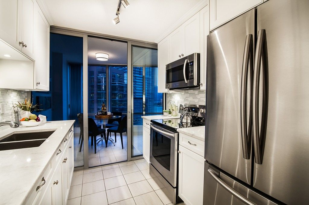 """Photo 14: Photos: 1901 837 W HASTINGS Street in Vancouver: Downtown VW Condo for sale in """"TERMINAL CITY CLUB"""" (Vancouver West)  : MLS®# R2134243"""