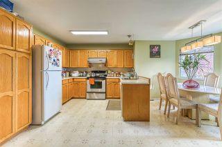 "Photo 5: 5642 SUNDALE Grove in Surrey: Cloverdale BC House for sale in ""Sunrise estates"" (Cloverdale)  : MLS®# R2411905"