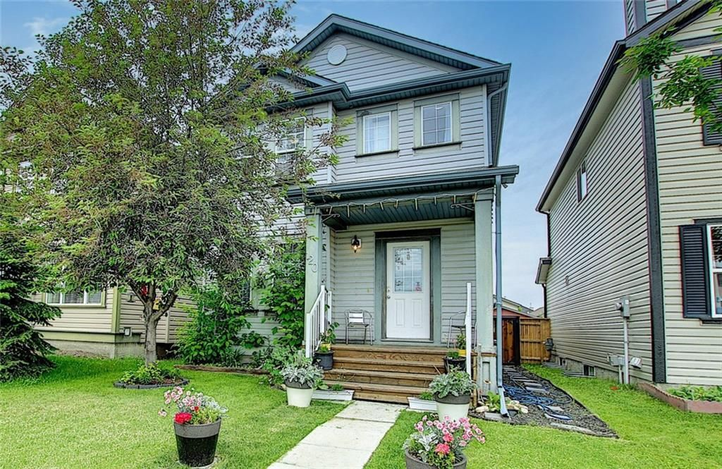 Main Photo: 120 EVERGLEN Road SW in Calgary: Evergreen Detached for sale : MLS®# C4305496