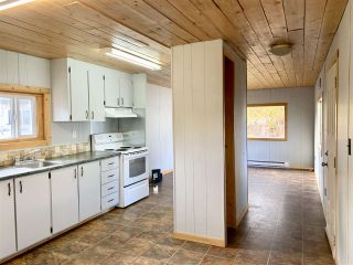 "Photo 4: 55 95 LAIDLAW Road in Smithers: Smithers - Rural Manufactured Home for sale in ""MOUNTAINVIEW MOBILE HOME PARK"" (Smithers And Area (Zone 54))  : MLS®# R2411956"