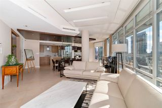 """Photo 13: 1001 628 KINGHORNE Mews in Vancouver: Yaletown Condo for sale in """"SILVER SEA"""" (Vancouver West)  : MLS®# R2510572"""