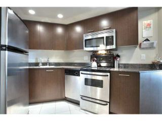 "Photo 6: 703 1212 HOWE Street in Vancouver: Downtown VW Condo for sale in ""1212 HOWE"" (Vancouver West)  : MLS®# V1111343"