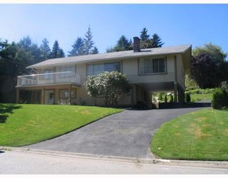 Photo 1: 985 ROSLYN Boulevard in North_Vancouver: Dollarton House for sale (North Vancouver)  : MLS®# V666618