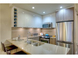 """Photo 3: 203 9350 UNIVERSITY HIGH STREET in """"LIFT"""": Home for sale"""