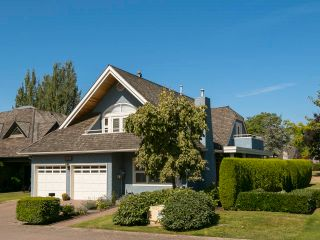 """Photo 3: 8315 TUGBOAT Place in Vancouver: Southlands House for sale in """"Angus Lands"""" (Vancouver West)  : MLS®# R2625838"""