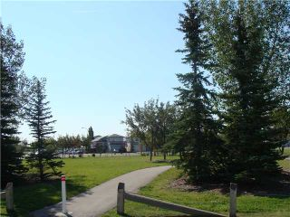 Photo 20: 152 APPLEMONT Close SE in CALGARY: Applewood Residential Detached Single Family for sale (Calgary)  : MLS®# C3453310