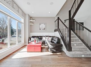 Photo 5: 646 24 Avenue NW in Calgary: Mount Pleasant Semi Detached for sale : MLS®# A1082393