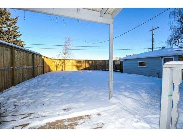 Photo 16: Photos: 1912 GLENWOOD Drive SW in Calgary: Glendale House for sale : MLS®# C4093243