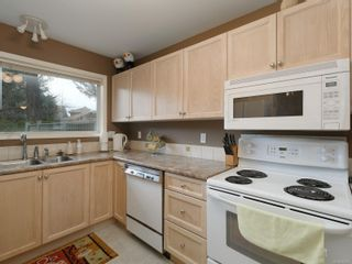 Photo 9: 9692 First St in : Si Sidney South-East Half Duplex for sale (Sidney)  : MLS®# 864027