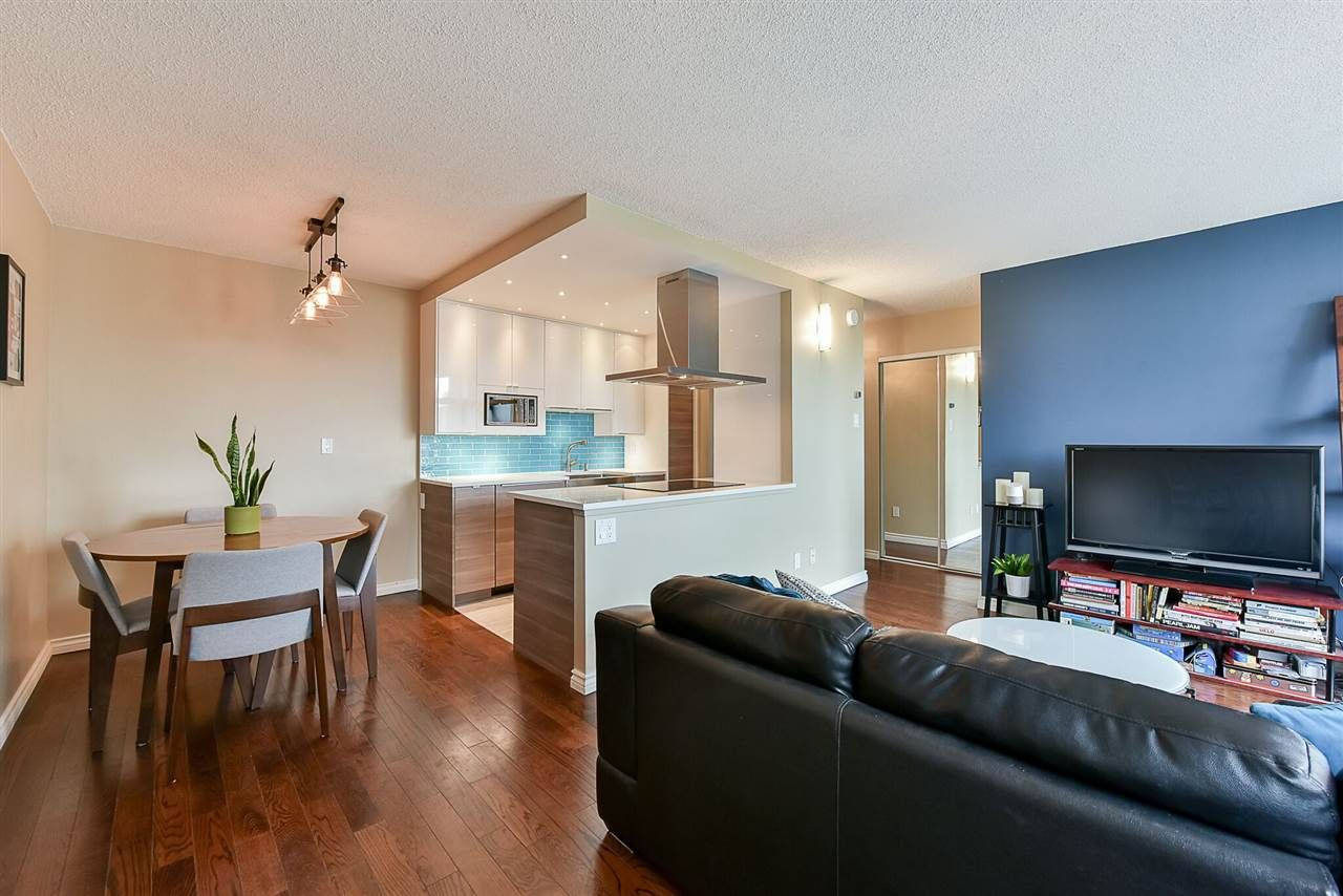 """Main Photo: 1405 1740 COMOX Street in Vancouver: West End VW Condo for sale in """"SANDPIPER"""" (Vancouver West)  : MLS®# R2203716"""