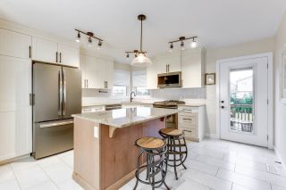 Photo 2: 76 DUNLUCE Road in Edmonton: Zone 27 House for sale : MLS®# E4261665
