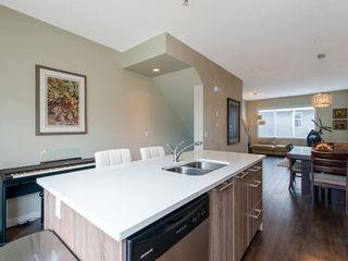 Photo 4: 102 2802 Kings Heights Gate SE: Airdrie Row/Townhouse for sale : MLS®# A1035106