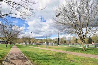 "Photo 17: 407 2330 WILSON Avenue in Port Coquitlam: Central Pt Coquitlam Condo for sale in ""Shaughnessy West"" : MLS®# R2287529"