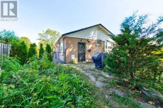 Photo 16: 516 BELLAMY RD N in Toronto: House for sale : MLS®# E5369210
