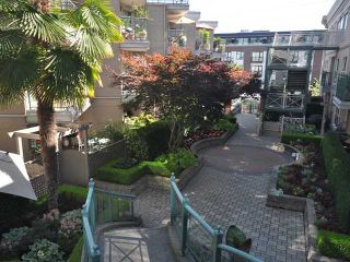 """Photo 6: 325 332 LONSDALE Avenue in North Vancouver: Lower Lonsdale Condo for sale in """"CALYPSO"""" : MLS®# V1076735"""