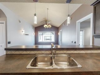 Photo 6: 23 2565 HANNA Crescent in Edmonton: Zone 14 Townhouse for sale : MLS®# E4237895