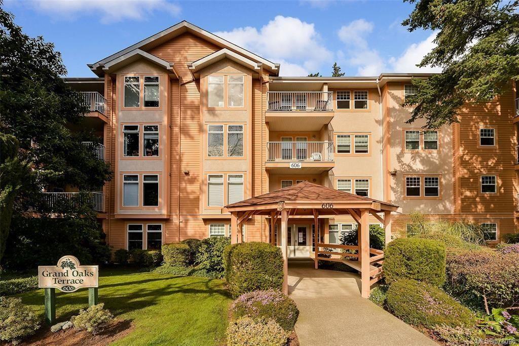 Main Photo: 403 606 Goldstream Ave in : La Fairway Condo for sale (Langford)  : MLS®# 878096