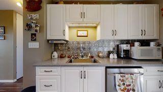 Photo 8: 1025 Wurtele Pl in Esquimalt: Es Rockheights Half Duplex for sale : MLS®# 840558