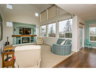 Photo 7: 7083 177A STREET in Surrey: Cloverdale BC House for sale (Cloverdale)  : MLS®# R2034691