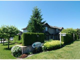"""Photo 3: 4 15168 66A Avenue in Surrey: East Newton Townhouse for sale in """"Porter's Cove"""" : MLS®# F1317928"""
