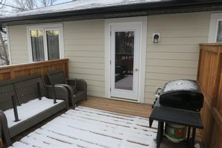Photo 3: 46 Lilac Street in Mitchell: R16 Residential for sale : MLS®# 202028697