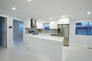 Photo 1: 2236 E 34TH Avenue in Vancouver: Victoria VE House for sale (Vancouver East)  : MLS®# R2425951