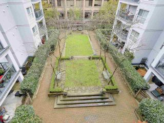 """Photo 15: PH10 511 W 7TH Avenue in Vancouver: Fairview VW Condo for sale in """"BEVERLY GARDENS"""" (Vancouver West)  : MLS®# R2156639"""