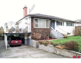 Photo 1: 11449 96A Avenue in Surrey: Royal Heights House for sale (North Surrey)  : MLS®# F2800593