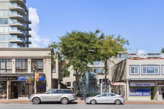 """Main Photo: 301 1765 MARINE Drive in West Vancouver: Ambleside Condo for sale in """"Hamptons"""" : MLS®# R2614752"""