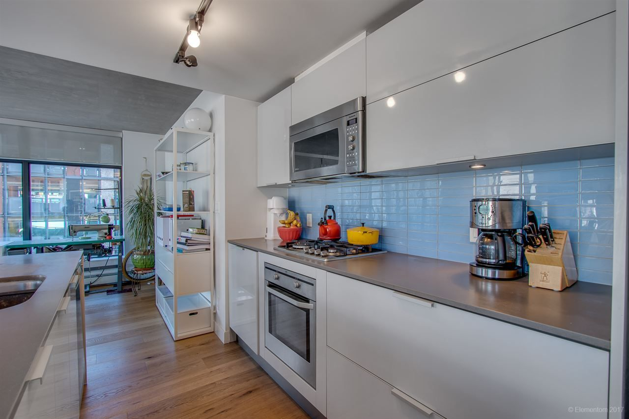 """Photo 9: Photos: 610 128 W CORDOVA Street in Vancouver: Downtown VW Condo for sale in """"WOODWARDS W43"""" (Vancouver West)  : MLS®# R2191922"""