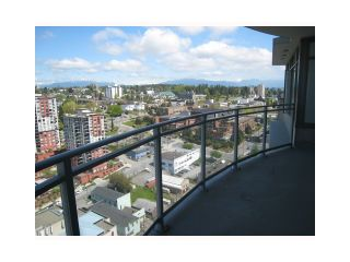 "Photo 9: 2107 898 CARNARVON Street in New Westminster: Downtown NW Condo for sale in ""AZURE AT PLAZA 88"" : MLS®# V835306"